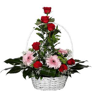 Корзина цветов Изысканный комплимент